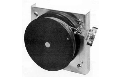 Cable retractor